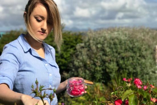 hannah picking roses